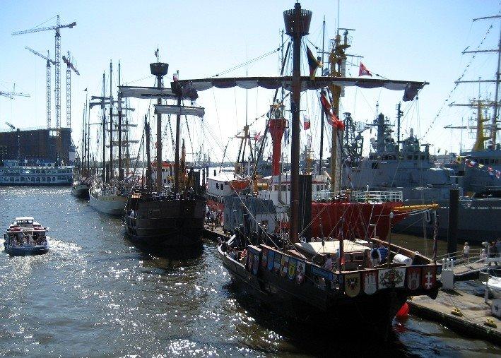 statki, urodziny i Hamburg