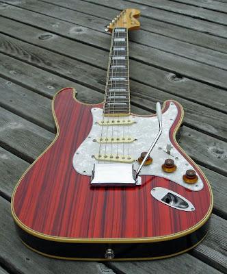 fake binding on strat electric guitars harmony central. Black Bedroom Furniture Sets. Home Design Ideas