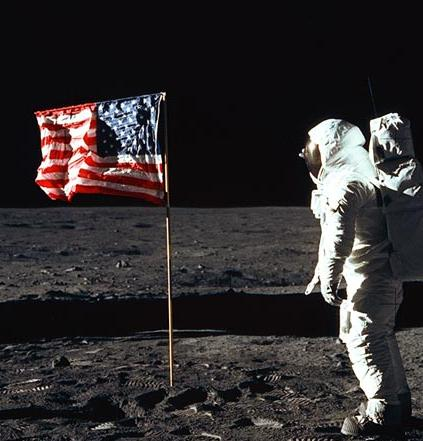 Putting On the Moon Neil Armstrong the Flag - Pics about space
