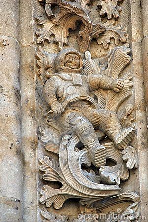 alien astronaut carvings - photo #1