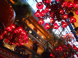 Dublin's Cafe en Seine: chandeliers with red lamp shades