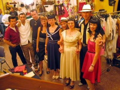 Retro-looking visitors wearing suits from the '40's and '50's at the last edition of Vintage Workshop