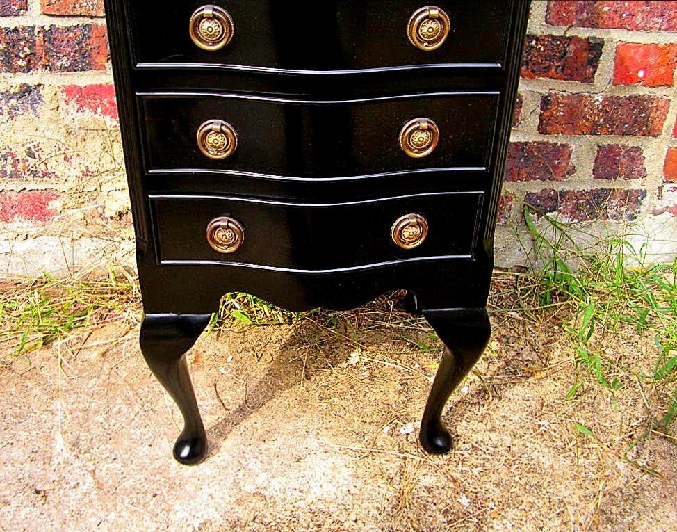 Brunome expo petit meuble anglais laqu noir Petit meuble rouge laque