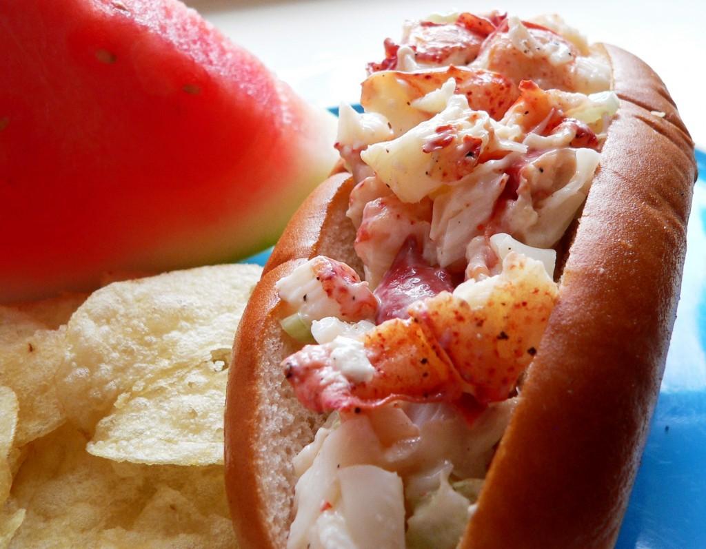 Blind Tastes: Local Love: Lobster Rolls @ Linda Bean's in ...