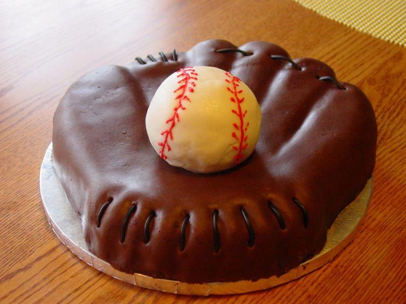 How To Make A Baseball Mitt Cake