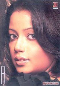 banglladeshi pop singer Kona