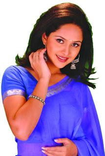 bangle Nadia ahmed Actress