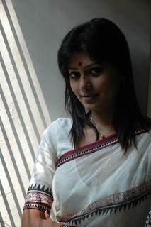 bangle Tanzika Amin Actress