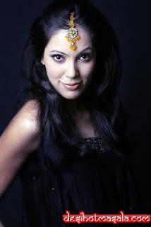 Hindi actress Munmun Dutta sexy Images