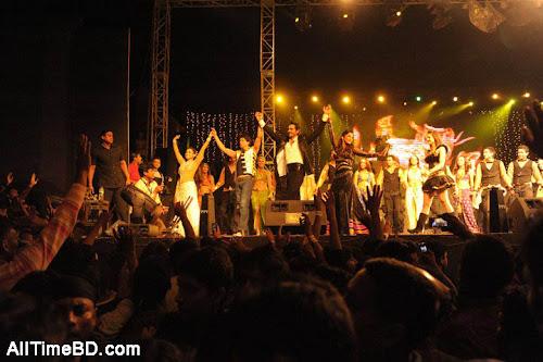 Shahrukh Khan, Rani Mukherjee, Arjun Rampal live in dhaka concert photo gallery
