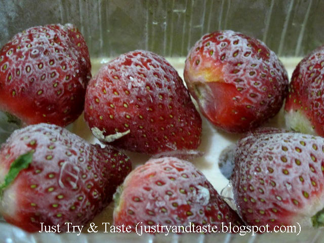 Resep Smoothie Yogurt, Strawberry, dan Blueberry JTT