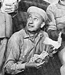 Carl Ballantine as Lester Gruber