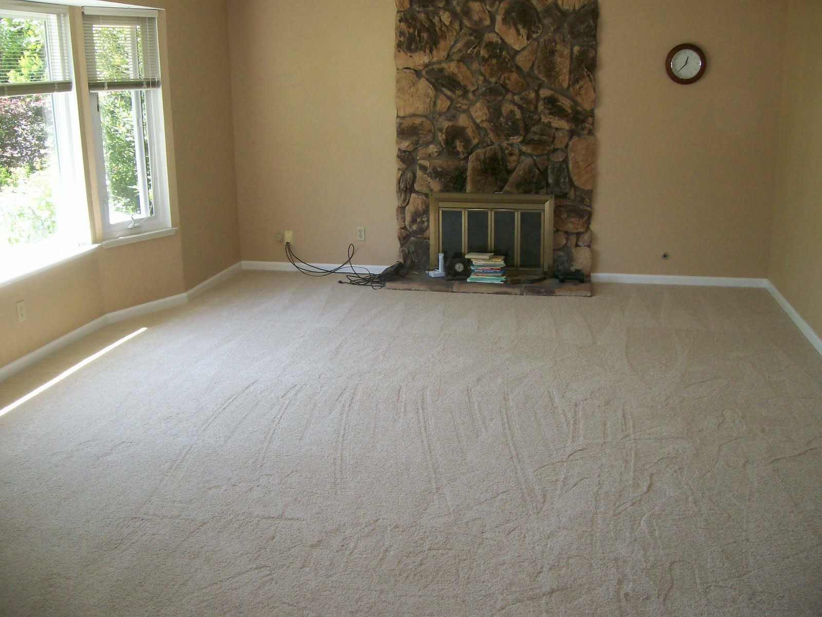 Keeping in touch with George and Shelly: NEW CARPET. NEW ROOM