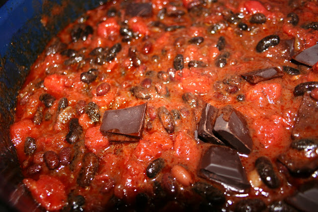 Cubes of chocolate in the Chili sin carne
