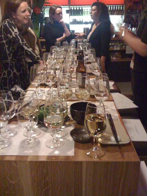 Wine and food bloggers gather at Tsuru