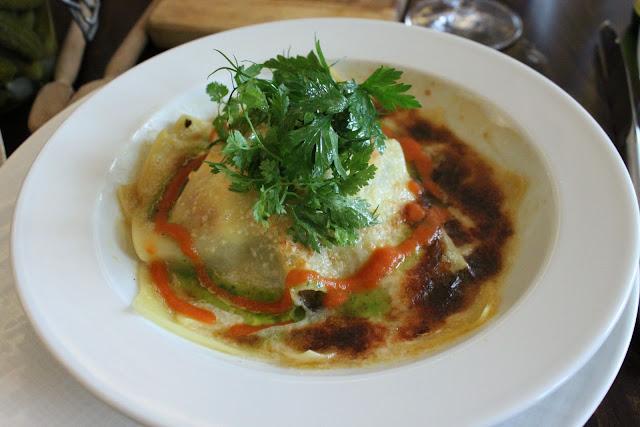 lasagne de légumes confits, mozzarella di buffala, jambon cru et basilic, la regalade, paris