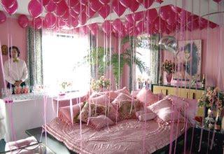 Royal T Designs Ooh La La Betsey Johnson S Apartment