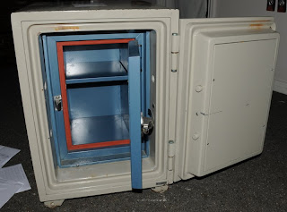 Mikes Old Safe: Kingdom Safe Opened