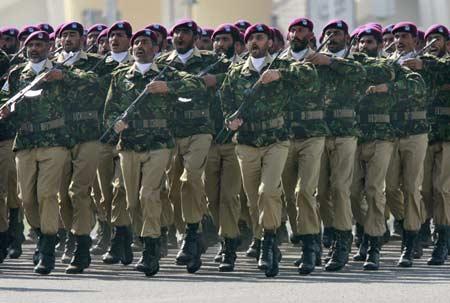 https://i2.wp.com/3.bp.blogspot.com/_y_aOy9Ji2kE/SzzE2rGaWEI/AAAAAAAAAA0/6OesKr9bMZ4/S1600-R/Pakistan+Commando.jpg?resize=584%2C393