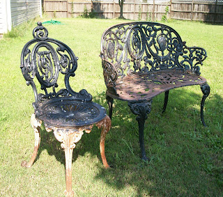 I Ran Across This Old Cast Iron Chair And Love Seat At A Garage Talk About Heavy Wow It Was All Could Do To Load Up