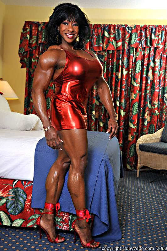 Dayana cadeau 01 female bodybuilder - 2 1