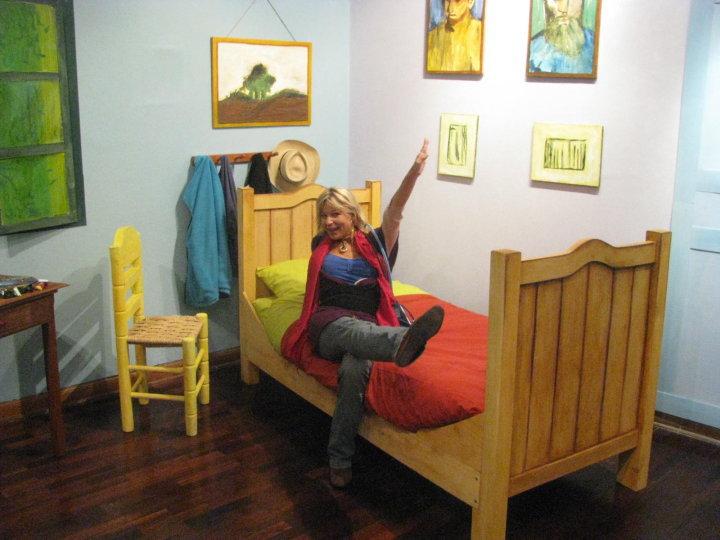 Creartesanoperu: Entrar al cuarto de Van Gogh