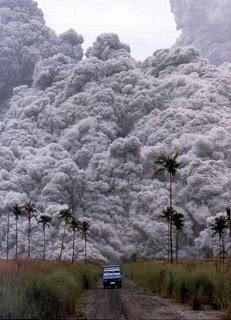 Awan Panas Yang Keluar Dari Letusan Gunung Berapi Disebut : panas, keluar, letusan, gunung, berapi, disebut, Cairan, Panas, Keluar, Gunung, Meletus, Disebut, Sebutkan