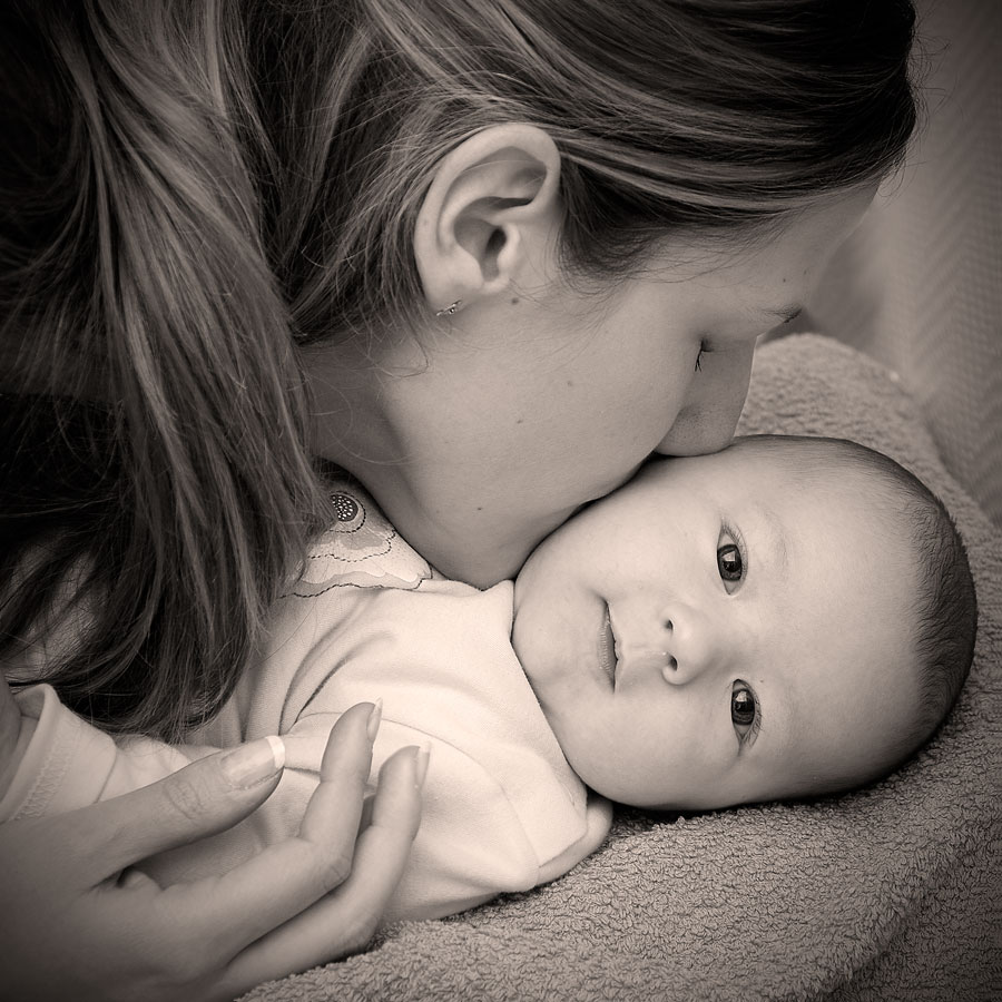 images of mother and child relationship