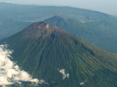 Gunung Agun