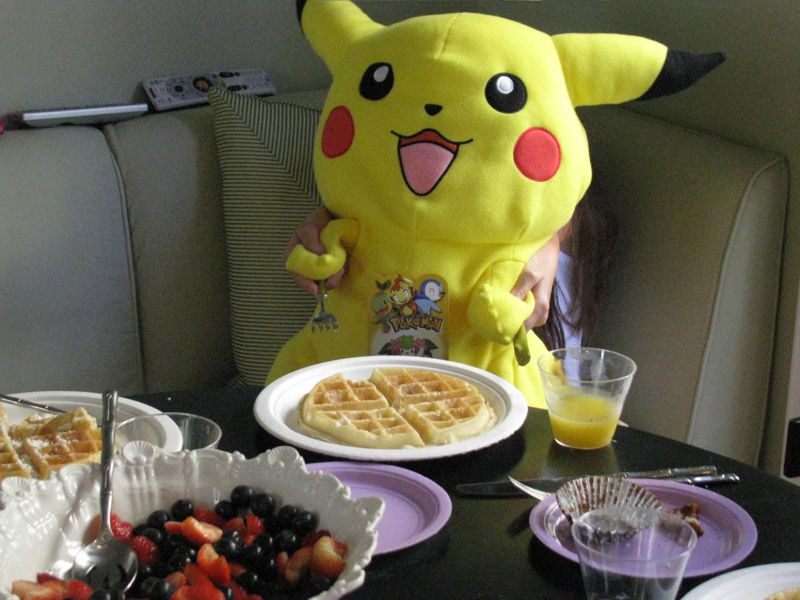 Oh My, Amai! : Pikachu Pillow!