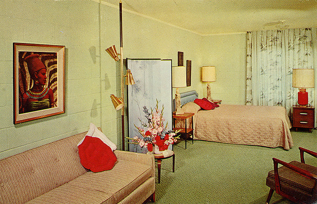 Rooms: Wanderlusted: Motel Postcards