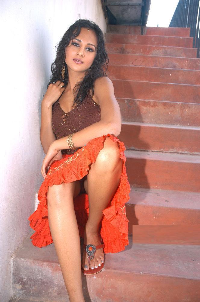 Vary vary hot and saxy girl photo