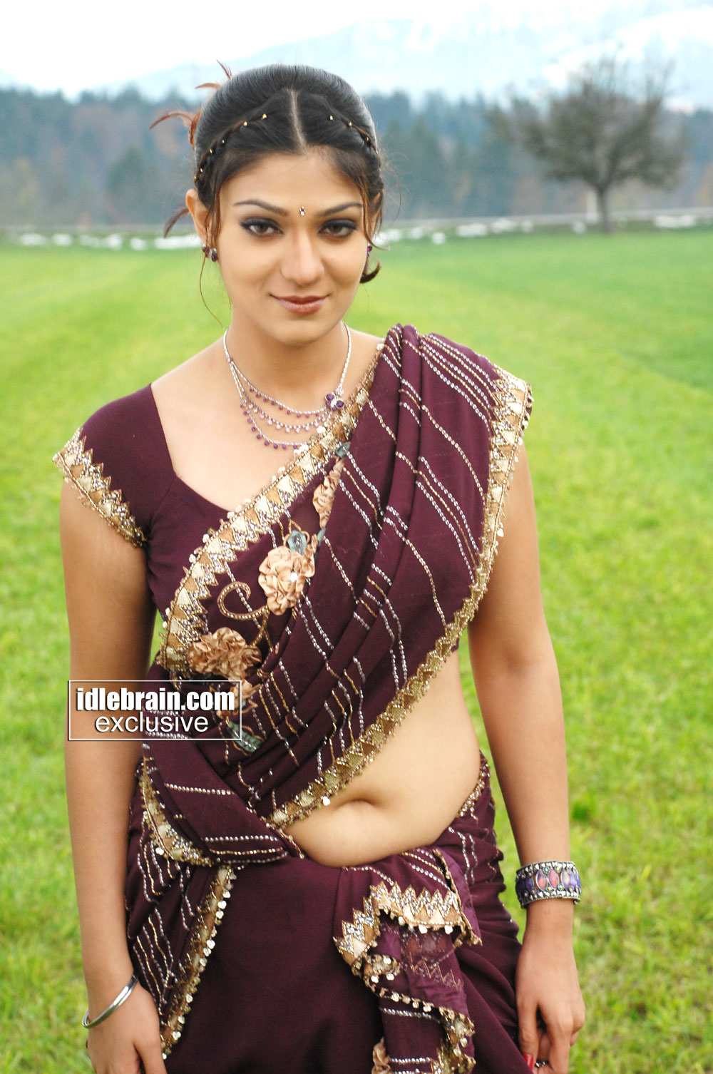 Sexy indian navel shows