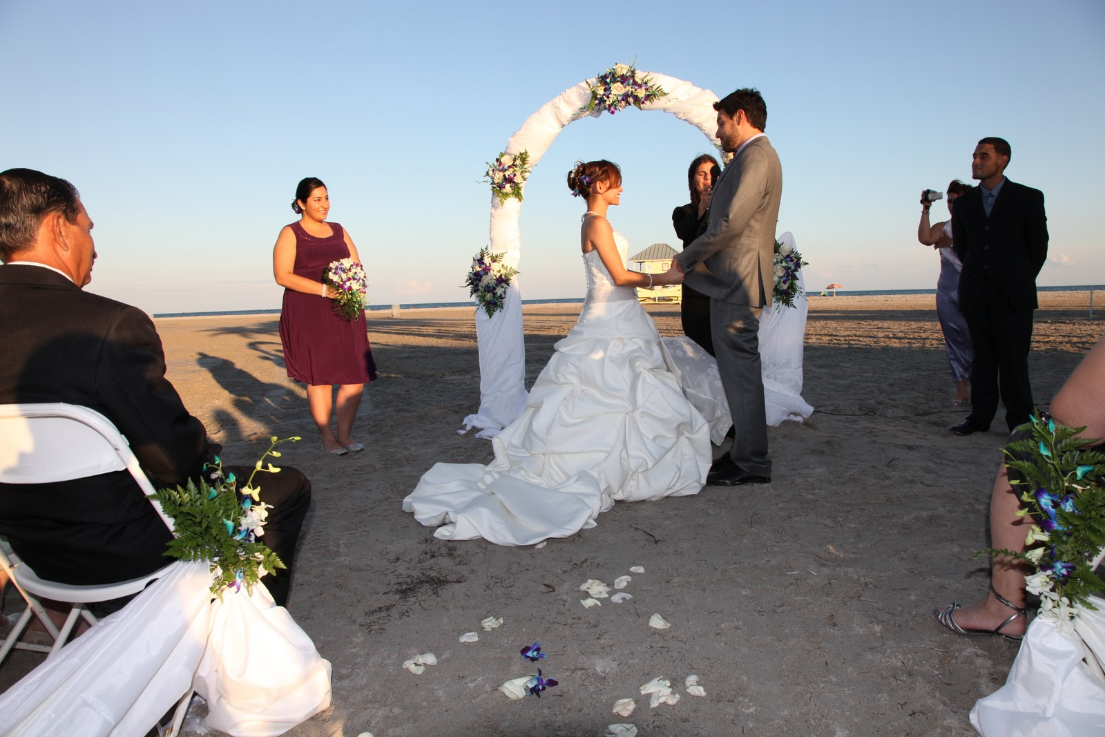 Elegant Beach Weddings: Real Wedding: Gabriel & Zoila's