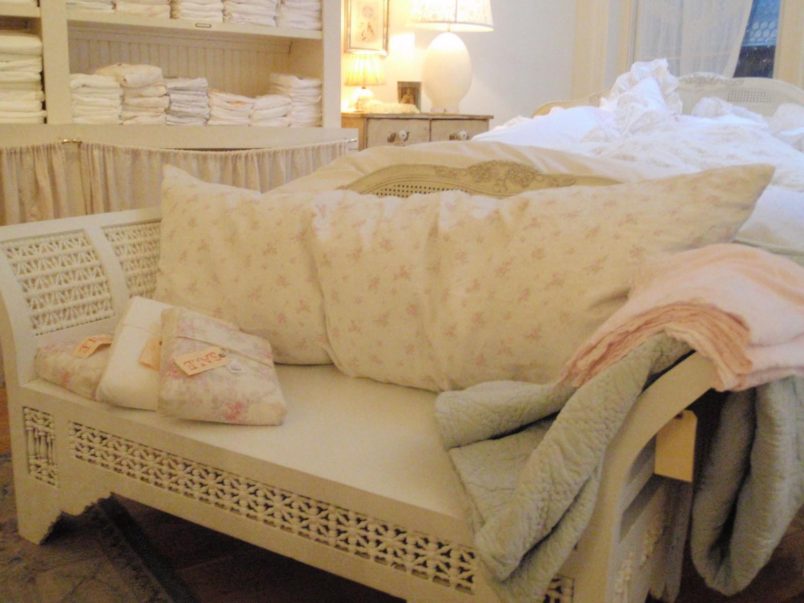 hammers and high heels a peek inside rachel ashwell 39 s. Black Bedroom Furniture Sets. Home Design Ideas