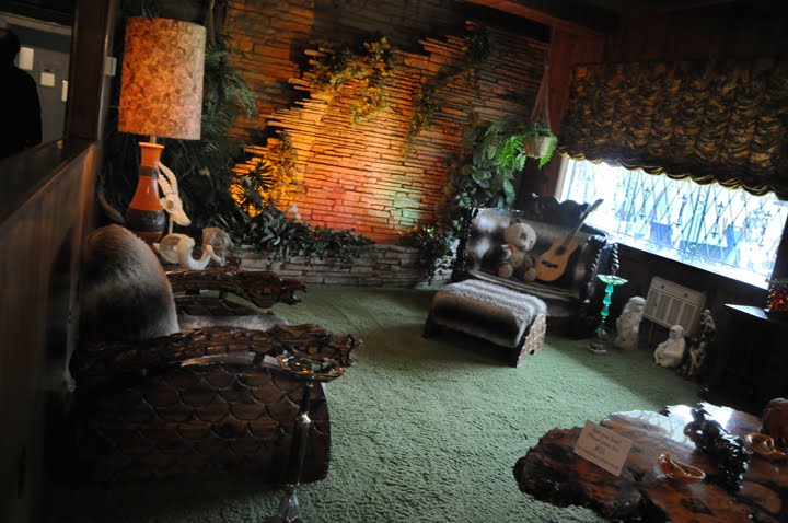 photography by pearl inside graceland the jungle room