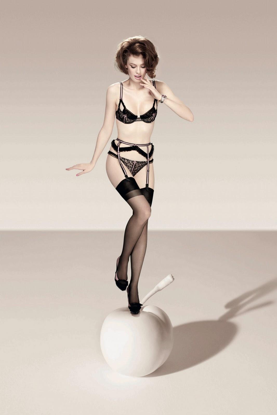 alex jones lingerie chantal thomass. Black Bedroom Furniture Sets. Home Design Ideas
