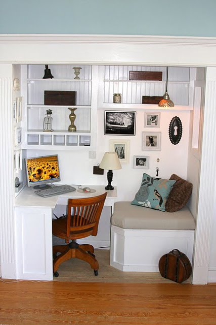 Remodelaholic From Closet To Office Nook Guest