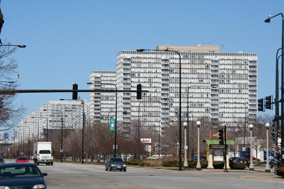 Lake Meadows Apartments Were Built On Chicago Architecture Cityscape The Gap Calumet Giles