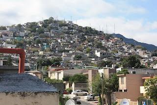 El país de Slim: los pobres a la punta de la montaña, los ricos en lo planito...