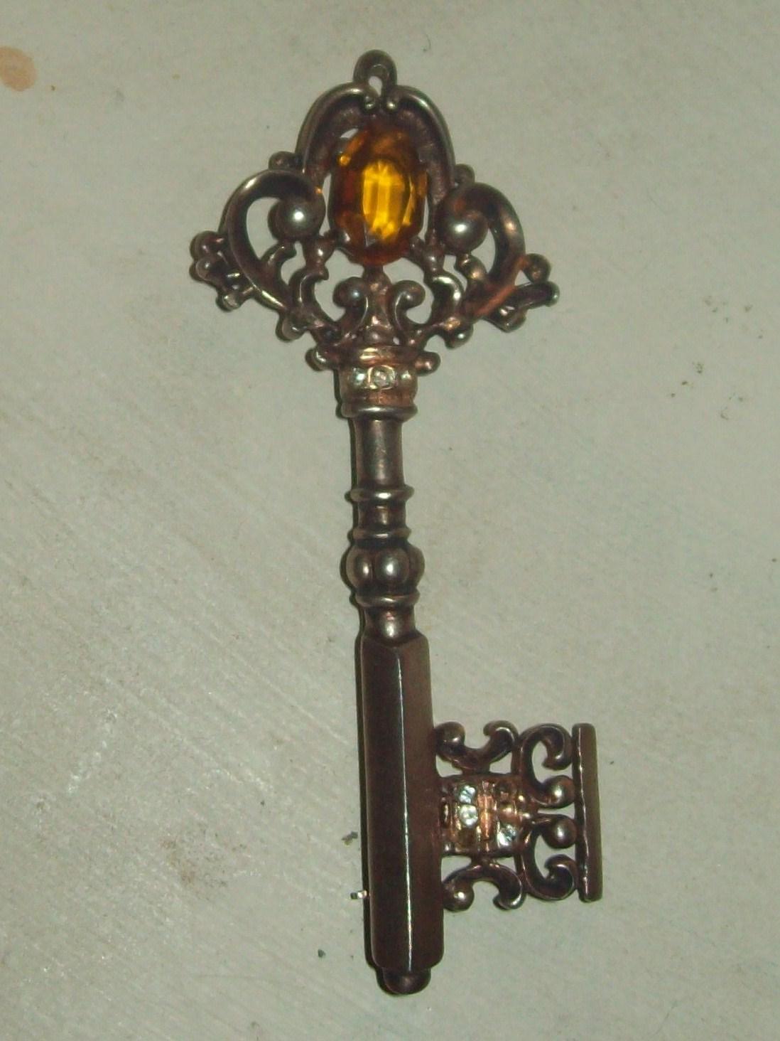 Old Keys 23