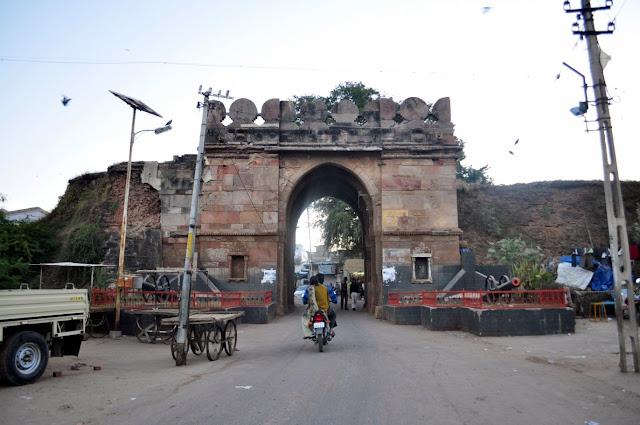 vadnagar narendra modi gujarat gate