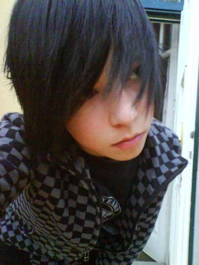 longhairboyz: beautiful long-haired BOY 4