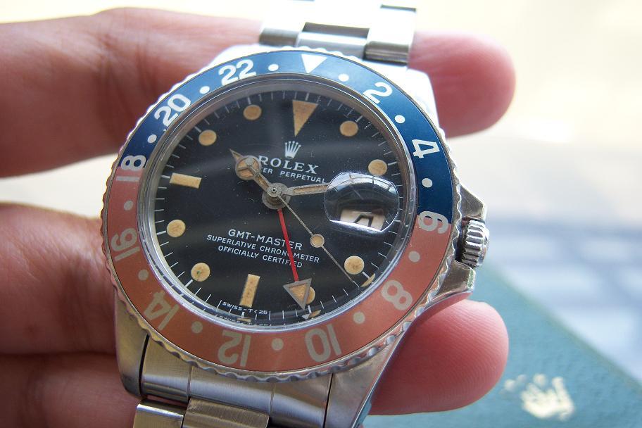 Kondisi dial untuk sebuah jam yang telah berusia 42 tahun ini masih bagus  dan bersih. Lempengan tanggal juga masih terlihat bersih. 82d5a957db