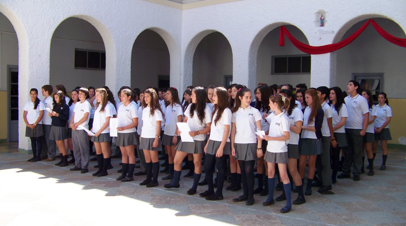 Alumna de liceo mas en httpjgsbbqi - 2 2