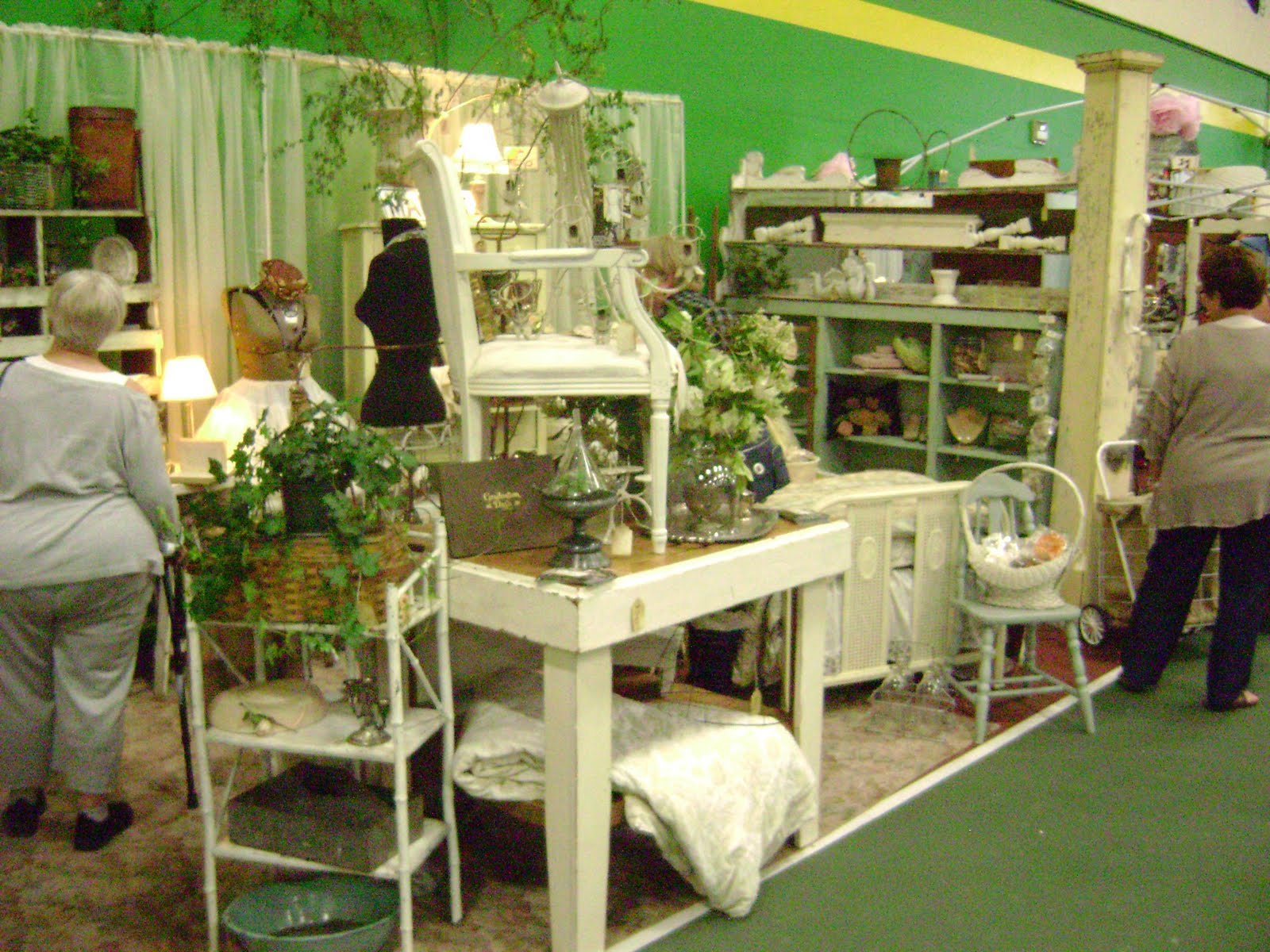 Amy's vintage cottage: Funky Junk fun for all!
