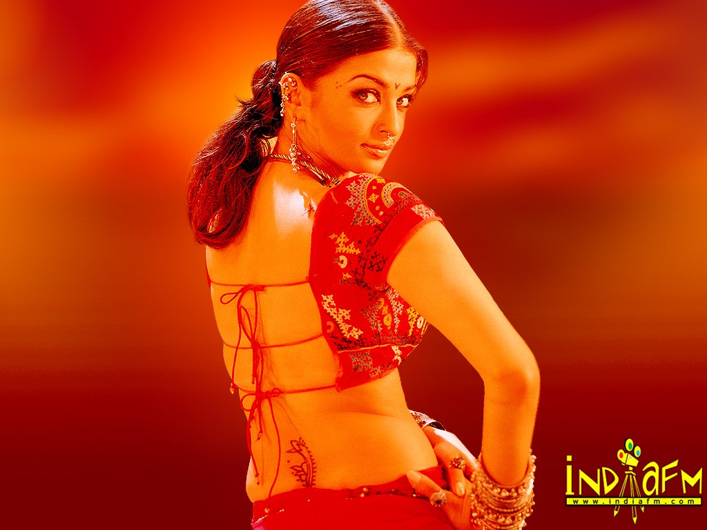 Updates 24: Aishwarya-Rai-Hot-Sexy Video