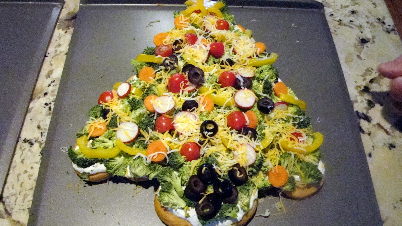Judy's Kitchen: CRESCENT ROLL CHRISTMAS TREE APPETIZERS