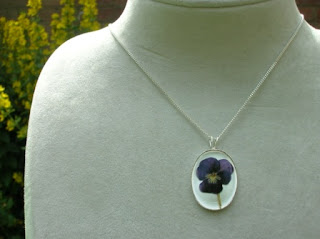 Violet flower necklace