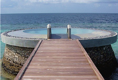 green saltwater therapeutic spa pool  (3.bp.blogspot.com)